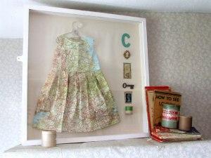 JENNIFER COLLIER - Dress made from paper map. Photosource - www.jennifercollier.co.uk