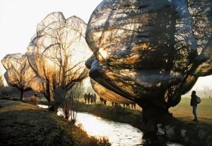 CHRISTO AND JEANNE-CLAUDE Verhüllte Bäume - Wrapped Trees